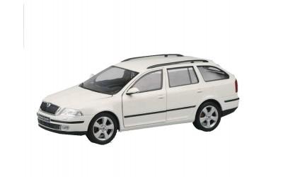 pasvorm skoda octavia station 06 2004 11 2012 automatten kopen carstyling. Black Bedroom Furniture Sets. Home Design Ideas